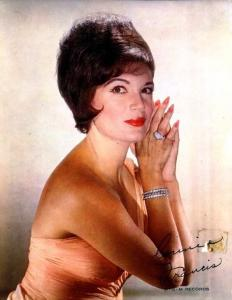 Connie Francis - Among My Souvenirs / God Bless America