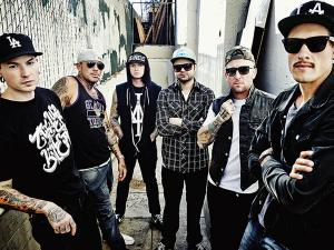 hollywoodundead2_600.jpg