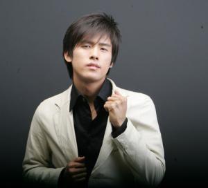 K (Kang Yoon-sung)