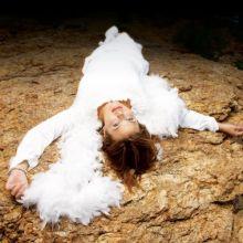 Annette Moreno | Un Ángel Llora EP* (Unreleased Album) [Tracklist]